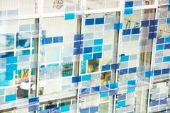 Wand von futuristischen abstrakten geometrischen Formen Lizenzfreie Stockbilder