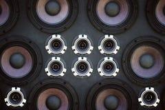 Wand von soliden Sprechern lizenzfreie stockfotografie