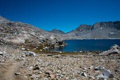 Wanda Lake op John Muir Trail stock fotografie