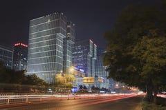 Wanda Plaza byggnad på natten, Peking, Kina Arkivfoton