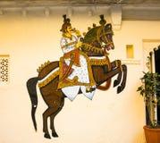 Wandbild in Udaipur an einem lokalen Haus stockfoto