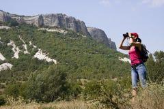 Wandelaar in de bergen Stock Fotografie