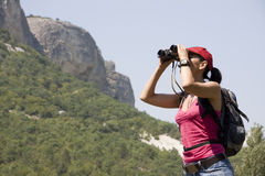 Wandelaar in de bergen Royalty-vrije Stock Foto