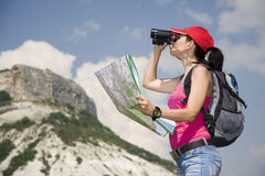 Wandelaar in de bergen Royalty-vrije Stock Afbeeldingen