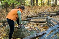 Wandelaar in de herfst Stock Afbeelding