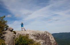Wandelaar die vallei Shenandoah overziet royalty-vrije stock foto's