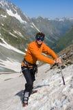 Wandelaar met ijs-bijl Royalty-vrije Stock Afbeeldingen