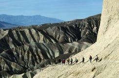 Wandelaars bij de Vallei van de Dood Stock Foto