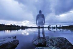Wandelaars shadowin het Blauwe Uur Royalty-vrije Stock Foto