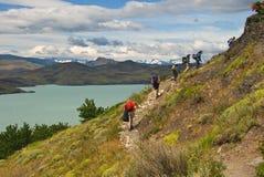 Wandelaars in Torres Del Paine Stock Fotografie