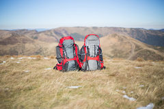 Wandelaartrekking in de bergen Stock Foto