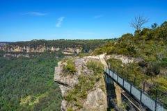 Wandelend aan hemels rotsvooruitzicht, blauwe bergen, Australië 4 stock fotografie