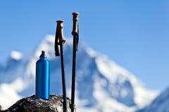 Wandelend in bergen, Nepal Stock Fotografie