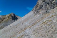 Wandelend in de bergen van Lechtal-Alpen, Noord-Tirol, Oostenrijk Royalty-vrije Stock Foto