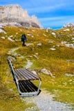 Wandelend op Gemmipass, Zwitserland/Leukerbad royalty-vrije stock afbeelding