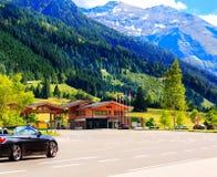 Wandeling in de Oostenrijkse alpen De berg van alpen De mening van de zomer oostenrijk Stock Afbeeldingen