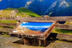 Wandeling in de Oostenrijkse alpen De berg van alpen De mening van de zomer oostenrijk Tirol Royalty-vrije Stock Fotografie