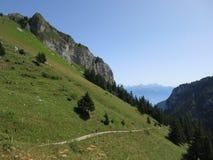 Wandeling in de Zwitserse Alpen Royalty-vrije Stock Foto's
