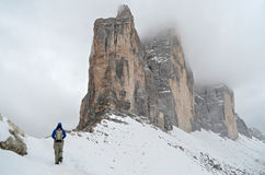 Wandeling in het Dolomiet in de winter Royalty-vrije Stock Foto