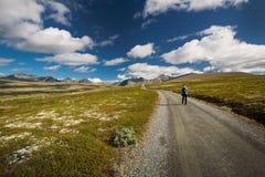 Wandeling in het nationale park van Rondane royalty-vrije stock foto's