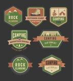 Wandeling, kampkentekens - reeks pictogrammen en elementen Stock Foto