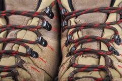 Wandelingslaarzen in close-up stock fotografie