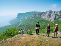 Wanderer überwachen das Gelände Lizenzfreies Stockfoto