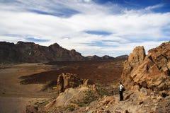 Wanderer auf Vulkan Stockbilder