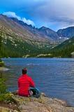 Wanderer in dem Mills See Kolorado Lizenzfreie Stockbilder
