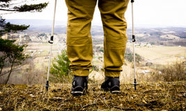 Wanderer, der die szenische Ansicht einläßt Stockbilder
