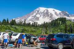 Wanderer der Mount Rainier Stockfotos