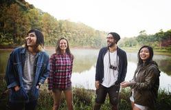 Wanderer, der Reise-Reise-Wanderungs-Konzept wandernd kampiert lizenzfreies stockbild