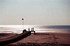 Wanderer an der Seeküste Stockfotos