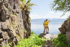 Wanderer, die Ansicht betrachten Stockfotografie