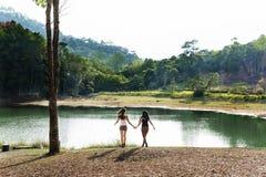 Wanderer-kampierendes Trekkings-Wanderlust-Freizeit-Konzept stockbild