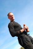 Wanderer mit einer Flasche Lizenzfreie Stockbilder
