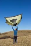 Wanderertrekking in den Bergen Sport und aktive Lebensdauer Lizenzfreie Stockbilder