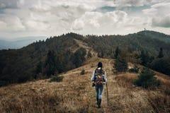 Wanderlust- und Reisekonzept mit Raum für Text Hippie trave stockbild