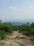 Wandern auf appalachischer Spur am Blut-Berg Lizenzfreie Stockbilder