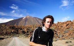 Wandern auf Vulkan Stockfoto