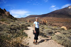 Wandern auf Vulkan Stockfotos