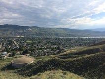 Wandern in den szenischen schönen Kamloops-Bergen Lizenzfreie Stockfotografie
