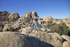 Wandern der Granit-engen Täler Stockfotos