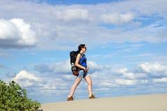 Wandern in der Wüste Lizenzfreie Stockbilder