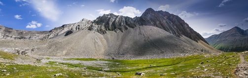 Wandern des Alpenschneehuhns Cirque Lizenzfreie Stockfotos
