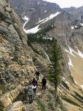 Wandern des felsigen Geländes der Crypt See-Spur, ein steiler Aufstieg lizenzfreie stockbilder