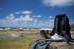 Wandern des Gangs durch Meer Lizenzfreies Stockbild