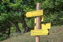 Wandern des Wegweisers, Pyrenäen, Frankreich Stockfoto