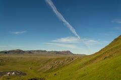 Wandern im geothermischen Land lizenzfreie stockfotos