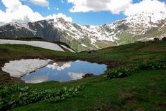 Wandern im Kaukasus stockfotos